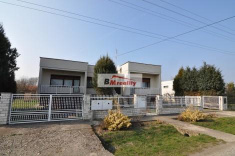 Rodinný dom s budovou vhodnou na podnikanie v Žemliaroch