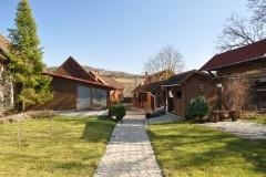 Štýlový rodinný dom s bazénom v Jabloňovciach