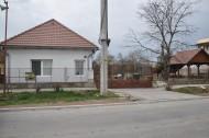 Na predaj rodinný dom s veľkým pozemkom v Novom Tekove