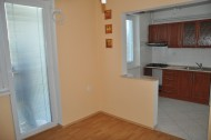 Veľký 4 izbový byt v súkromnej bytovke s vlastnou záhradou a garážou