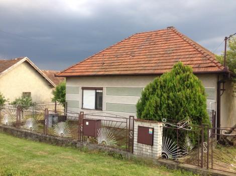 Na predaj rodinný dom pri Podhájskej v obci Beša